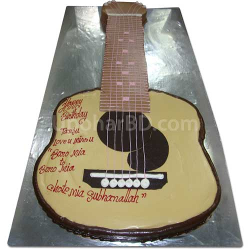 Guitar shape cake