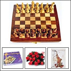 Gift package with chess board