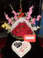 Heart shape cake with rose bouquet