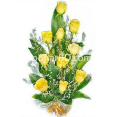 Yellow rose arrangment