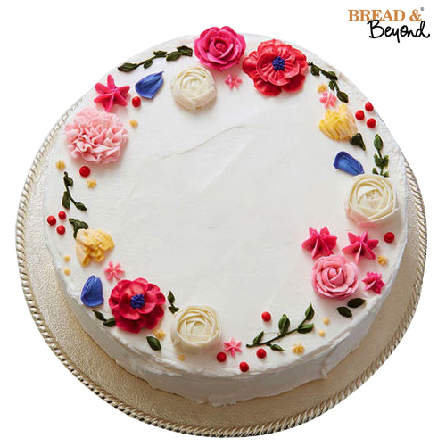 Floral design cake from Bread & Beyond