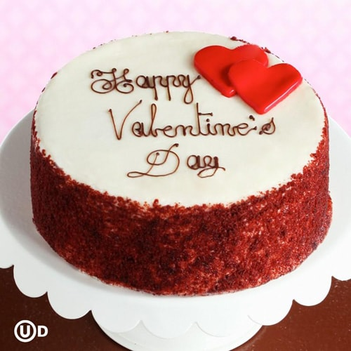 Red velvet cake for love