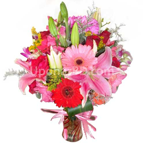 Mix flower bouquet in a vase