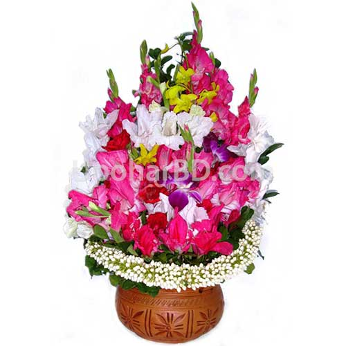 Bouquet in a terracotta pot
