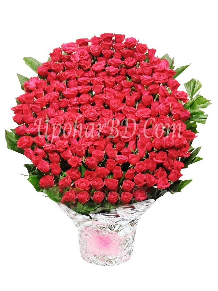 Bouquet of 200 red roses