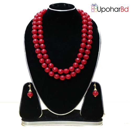 Ruby red pearl necklace