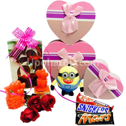 Hamper with Pandora gift box and minion
