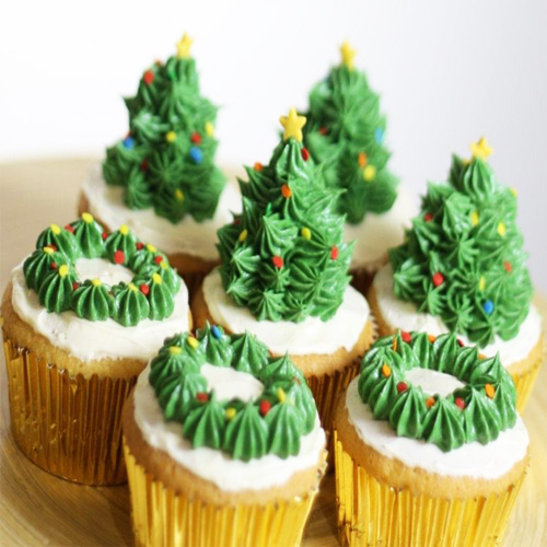 Happy Christmas Cupcake