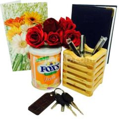 Desk accessories hamper