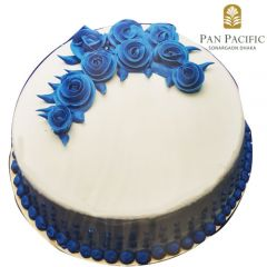 Blue classic floral cake