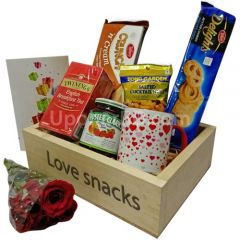 Gourmet Snacks Basket